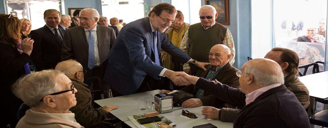 Rajoy-con-pensionistas-bajopeso